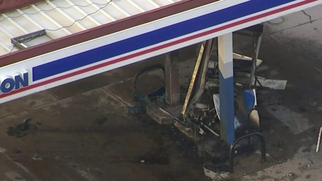 Car Slams Into Gas Pump At Ford Newburgh Roads In Westland