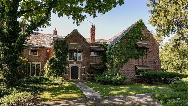 Aretha Franklin's former Detroit home hits market again for $600K