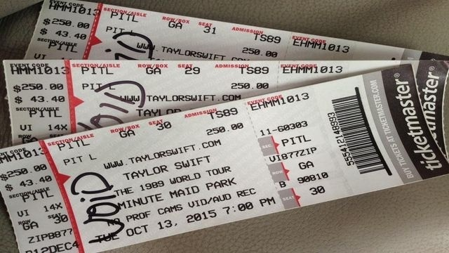 Taylor Swift Fans Scammed By Fake Tickets At Houston Concert