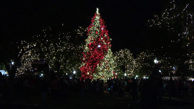 Hundreds Celebrate Christmas Kickoff The San Antonio Way