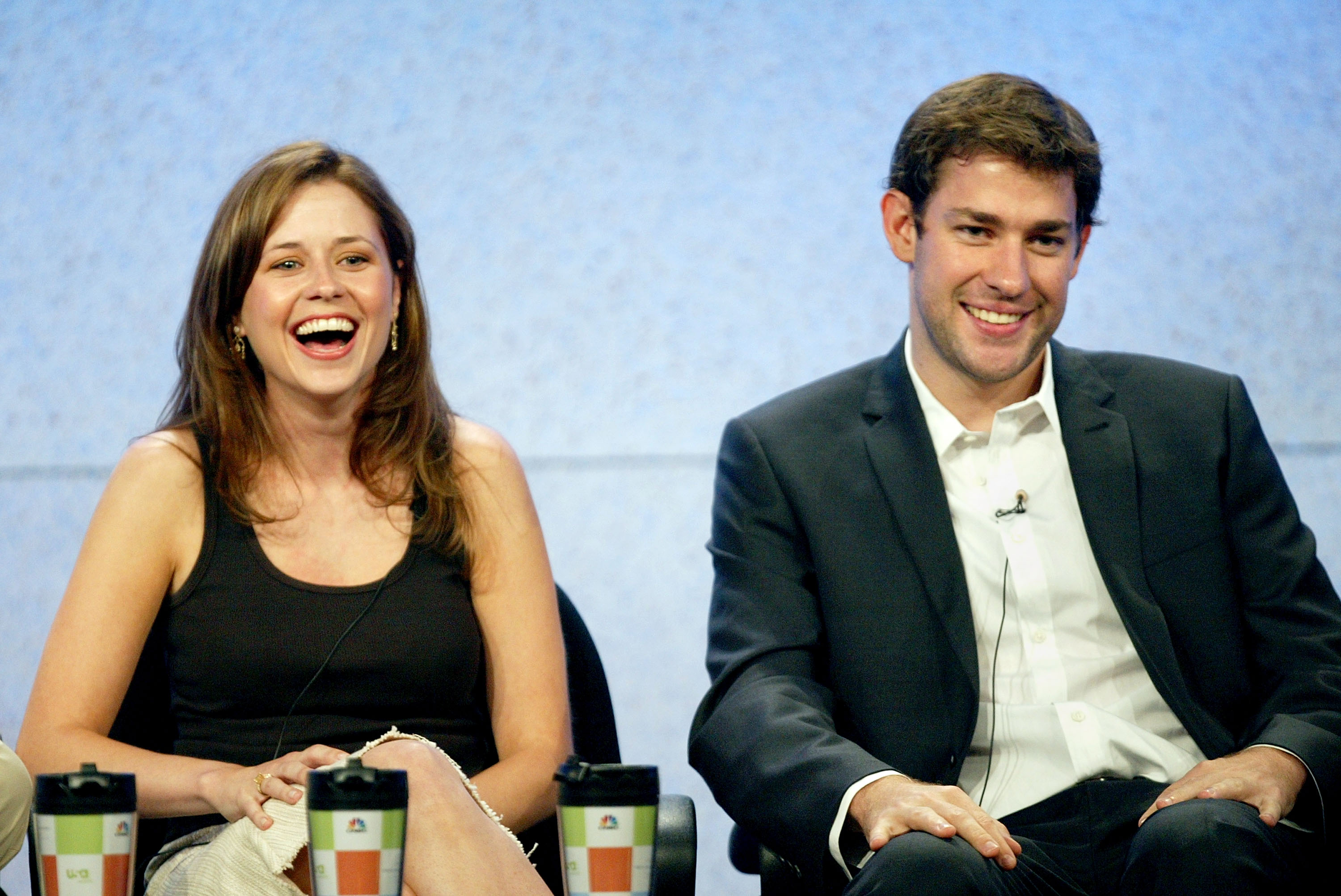 What Is In The Teapot Note Jenna Fischer Reveals What Was In The Note Jim Gave Pam On The Office